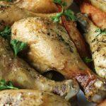 Eenvoudige gebakken kip drumsticks