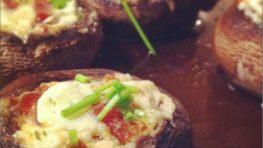 Gevulde champignons met roomkaas en spekjes