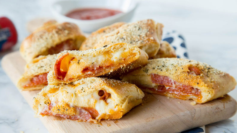 Maak nu je eigen Italiaanse Pepperoni Pizza Brood
