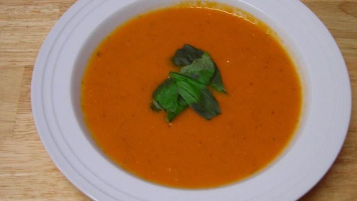 Romige Tomaten-Basilicum soep volgens Italiaans recept