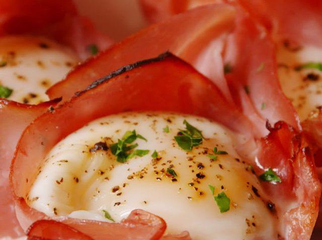 Maak nu Ham & Kaas eier kopjes voor bij het ontbijt